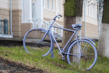 Винтажный, фиолетовый велосипед ок