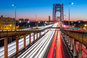 Fototapete - Rush hour traffic with light trails on George Washington Bridge, in New York City