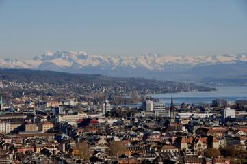 Schweiz: Panorama der Stadt Zürich vom Swiss Prime Tower, dem höchsten Wo