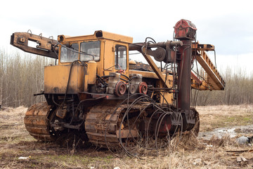 Drilling vehicle