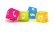 Vier farbenfrohe Würfel mit Kontaktsymbolen