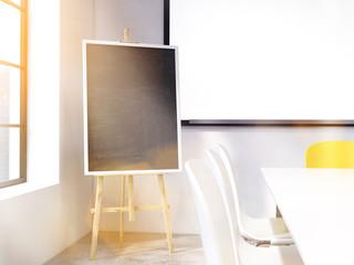 Blackboard stand toning