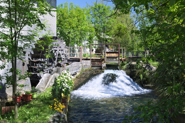 Foto op Canvas Molens Wheel water mill in Reana del Rojale, Friuli, Italy