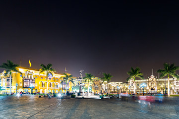 Plaza de mayor with movement of a lot people, Lima, Peru ( Long Exprosure and night shot )