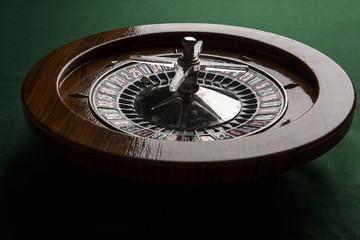 Tavolo da Roulette con panno verde da gioco