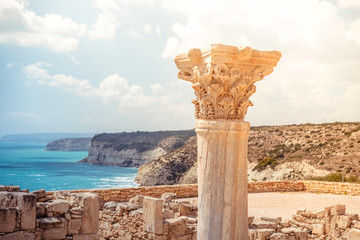 Deurstickers Cyprus Ancient column at Kourion Archaeological Area. Limassol District