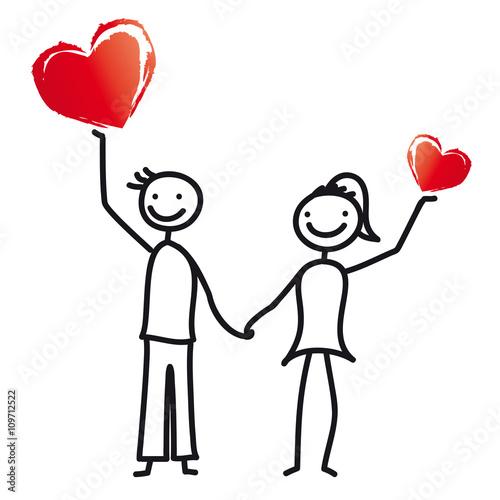 Junges Paar Hält Zwei Herzen In Die Luft   Einladung Zur Hochzeit