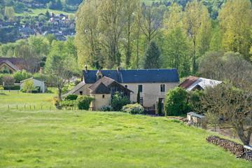ferme et village à Montignac Lascaux en Périgord