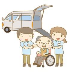 高齢者を送迎する介護スタッフ