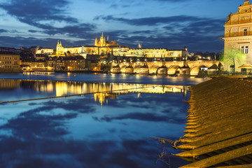 Fotomurales - Prague Castle and Prague buildings reflected in the river