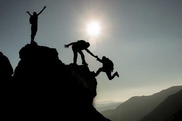 başarılı tırmanış ekibi & zirvede tırmanış başarısı
