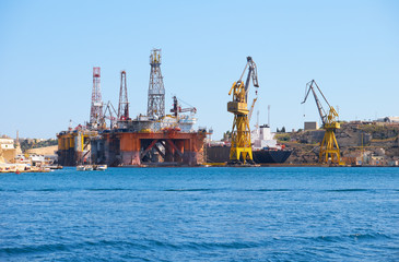 The Noble Paul Romano Oil rig in the Palumbo Shipyards, Malta.
