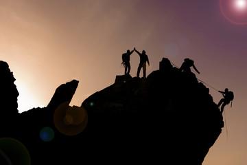 zirve kayalıkları tırmanış ekibi