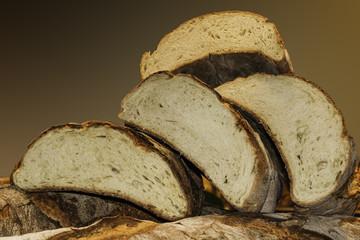 composizione orizzontale fotografia di fette di pane in primo piano sovrapposte