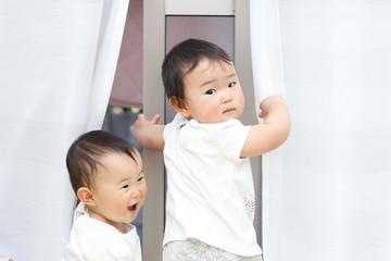 かわいい双子の赤ちゃん 日本人 アジア人