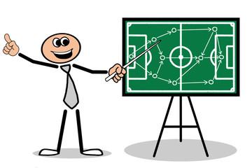 Mann zeigt Fussball Taktik auf Tafel