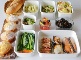常備菜と魚やベーコンの作り置きおかず