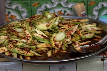 Köstlichkeiten und Lebensmittel aus Myanmar