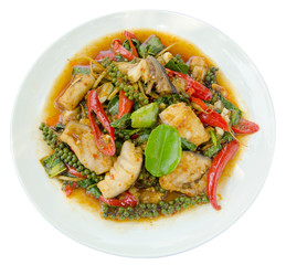 Puff savory fish kang put fresh green peppercorns on dish, Thai