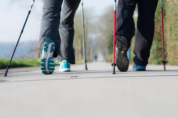bewusstes gehen bei nordic walking