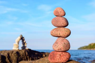 Pyramidal stack of pebbles
