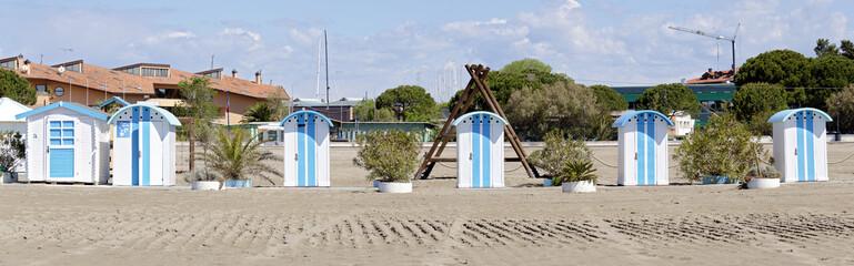 Badehütten am Sandstrand