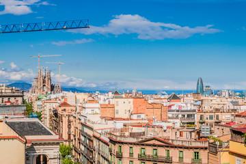 Panorama sur la ville de Barcelone des toits de La Pedrera