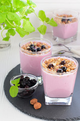 Berry smoothie with oat flakes, black currant