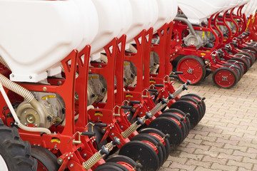 Agricultural machinery, seeder