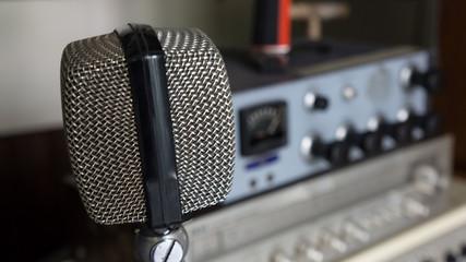 Microphone older.