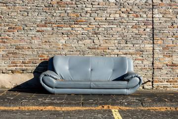 Sofa im Freien Sperrmüll