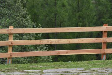 Cerca immagini asse di legno - Staccionate in legno per giardino ...
