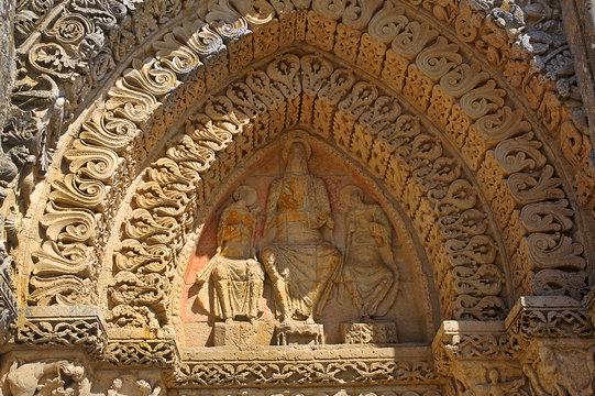 Aulnay, Church Saint-Pierre - The decoration of the western portal, Charente-Maritime, Poitou-Charentes. UNESCO WH Site - the Pilgrim's Road to Santiago de Compostela