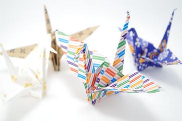 折り紙 鶴 白背景