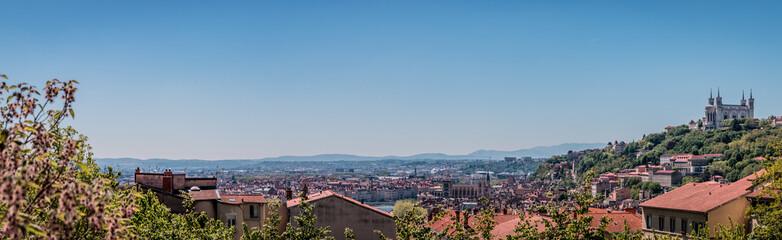 Panorama de Lyon et de la coline de Fourvière de la Croix-Rousse