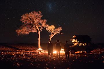Les aventuriers au coin du feu