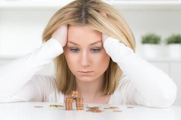 junger frau droht insolvenz