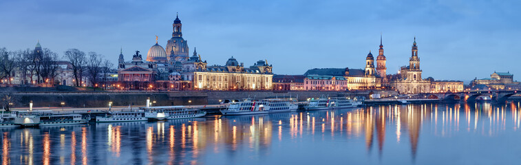 Fotomurales - Night panorama of Dresden Old town