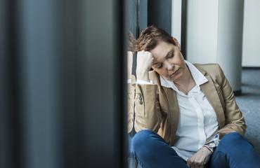 Fenster,schlafen,sitzen,müde,Stress,Büro,Managerin