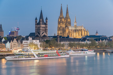 Aerial view over the Rhine River with cruise ship in Cologne, Ge Fototapete