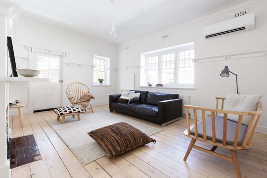 Renovated old and spacious apartment with beautiful styling
