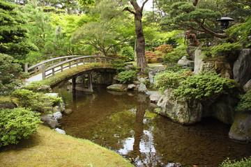 Jardin japonais avec pont à Kyoto, Japon