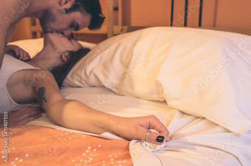 Sexy Couples Kissing In Bed