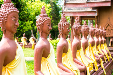 buddha statues in the park