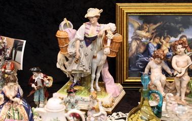 Figuren auf dem Flohmarkt