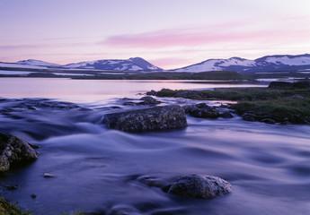Mountains by river Fotoväggar