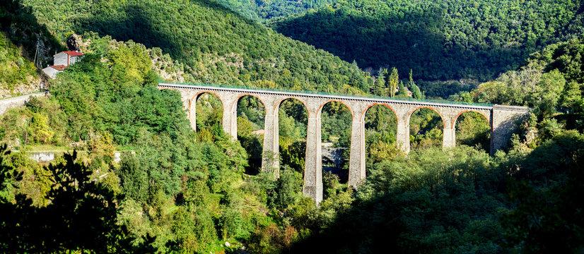 Pont de Duzon, pont romain à St Barthélémy le Plain en Ardèche