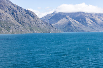 sea and mountain in New Zealand