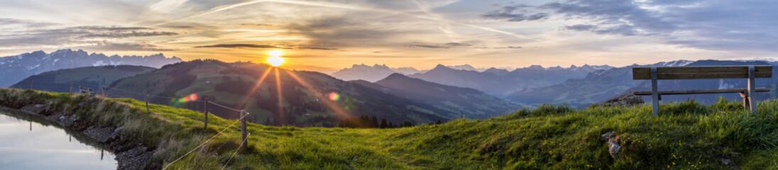 Sonnenaufgang am Berg