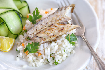 Grilled fish fillet with rice